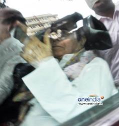 Dilip Kumar returns home after having treatment at Lilavati Hospital