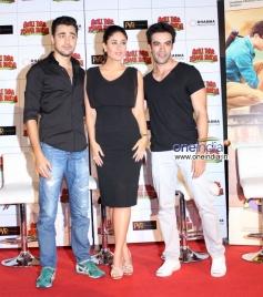 Imran Khan, Kareena Kapoor and Punit Malhotra during  Gori Tere Pyaar Mein first look launch