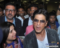 Boman Irani, Farah Khan and Shahrukh Khan returns from Dubai