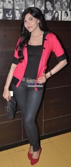 Haya Sehgal at premiere of film Raqt - Ek Rishta