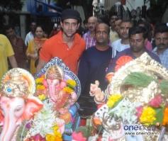 Hrithik Roshan celebrates Ganesh Chaturthi 2013