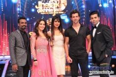 Hrithik Roshan and Priyanka Chopra with Jhalak Dikhhla Jaa Season 6 Super Finale Judges