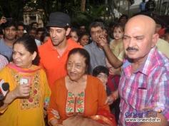 Hrithik Roshan and Rakesh Roshan celebrates Ganesh Visarjan 2013