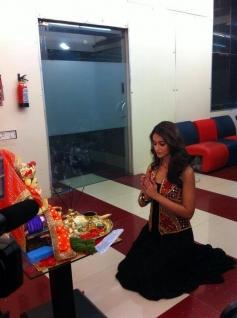 Ileana D'Cruz celebrates Ganesh Chaturthi at Zoom office