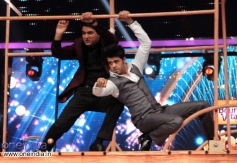 Kapil Sharma and Manish Paul peforms  at Jhalak Dikhhla Jaa 6
