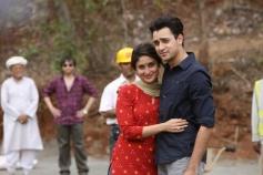 Kareena Kapoor and Imran Khan still from Gori Tere Pyaar Mein