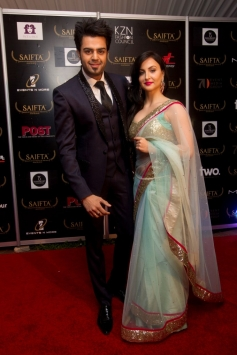 Manish Paul and Elli Avram at the red carpet od SAIFTA