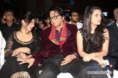 Manoj Kumar with Divya Dutta during the Jagran Film Festival 2013 Closing Ceremony