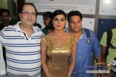 Navin Batra, Veena Malik and Ravi Ahlawat at Super Model film premiere