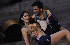 Rich Chadda and Ritesh Deshmukh still from Grand Masti