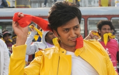 Ritesh Deshmukh still from Grand Masti