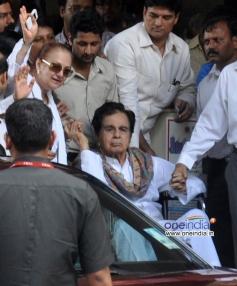 Saira Banu takes Dilip Kumar home from Lilavati Hospital