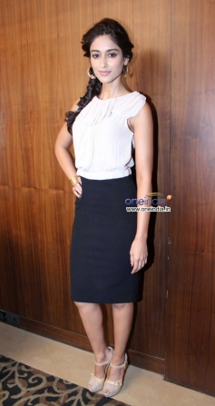 Ileana D'Cruz poses during promotion of film Phata Poster Nikla Hero
