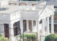 Shahrukh Khan's 2000 Cr Mannat Bungalow