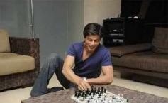 Shahrukh Khan Taking a Break from Work at Mannat