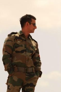 Sharman Joshi still from film War Chhod Na Yaar