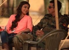 Sharman Joshi with Soha Ali Khan during film War Chhod Na Yaar shooting