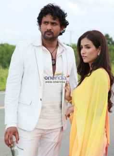 Srinagar Kitty and Tia Bajpai in Kannada Movie Droha