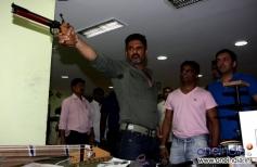 Sunil shetty gets pistol shooting training from International shooter Pritipal singh bedi