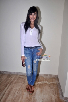 Suzana Rodrigues poses during Warning film promotion