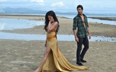 Veena Malik and Ashmit Patel still from film Super Model song