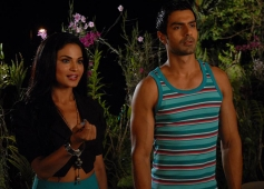 Veena Malik and Ashmit Patel still from film Super Model