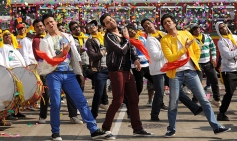 Vivek Oberoi, Aftab Shivdasani and Ritesh Deshmukh still from Grand Masti