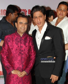 Yogesh Lakhani with Shahrukh Khan on his birthday party