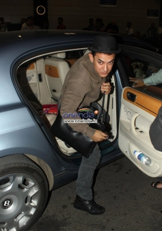 Aamir Khan leaves for US to receive the America Abroad Media (AAM) honor