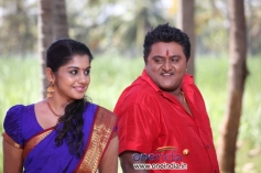 Actress Meera Nandan and Komal in Karodpathi