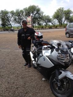 Ajith Kumar's rides bike from Pune to Chennai