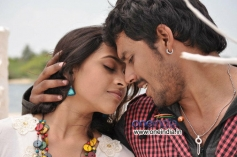 Akhil and Sri Divya still from Nagarapuram