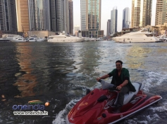 Akshay Kumar made his entry to the yacht coming on a jet-ski