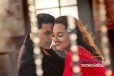 Akshay Kumar and Sonakshi Sinha Romantic Scene