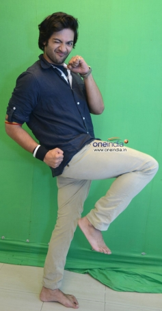 Ali Fazal at the photoshoot of Vibhu Agarwal's Baat Bann Gayi