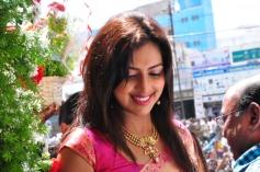 Amala Paul Inaugurates Kalanikethan Showroom Evets Photos