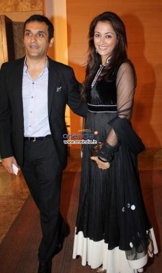 Bollywood celebs at Yash Chopra Memorial Awards 2013