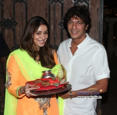 Chunky Pandey with his wife Chikki Pandey at Anil Kapoor's Karva Chauth party