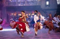 Deepika Padukone and Ranveer Singh still from Lahu Munh Lag Gaya song