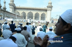 Eid prayers at Mir Alam-Eidgah and Charminar