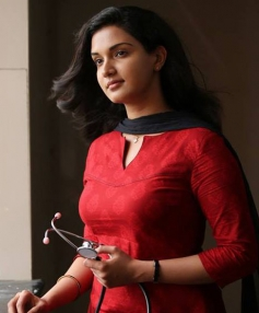 Honey Rose in Malayalam Movie 1 by Two