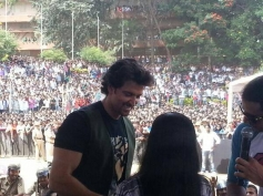 Hrithik Roshan arrive at Dayanand Sagar College, Bangalore for Krrish 3 Game Launch