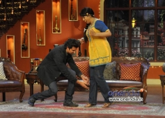 Hrithik Roshan with Bhua of Comedy Nights with Kapil