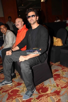 Hrithik Roshan with his father Rakesh Roshan at the Krrish 3 Merchandise launch