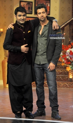 Hrithik Roshan with Kapil Sharma on the Sets of Comedy Nights with Kapil