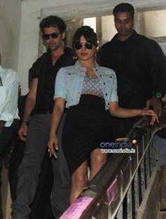 Hritik Roshan and Priyanka Chopra returns back after Krrish 3 film promotion