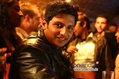 Jiiva still from Endrendrum Punnagai