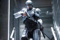 Joel Kinnaman in film Robocop 2014