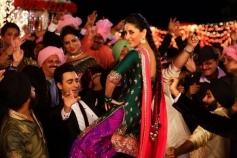 Kareena Kapoor looks gorgeous in a still from film Gori Tere Pyaar Mein
