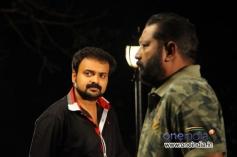 Kunchako Boban and Lal in Malayalam Movie Kadhaveedu